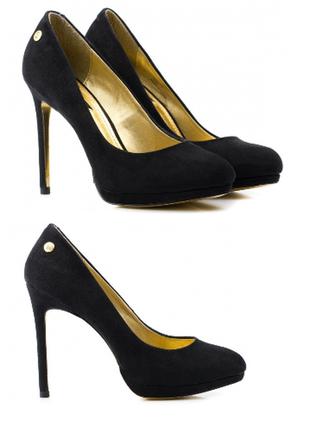 Новые чёрные туфли на каблуке в замшевом стиле размер 35.5-36 ...