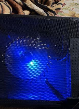 Подставка для ноутбука ErgoStand с охлаждением и подсветкой