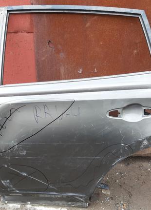 Toyota Rav4 Дверь задняя 67004-42180
