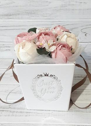 Букет из конфет в коробке оригинальный подарок на день рождение