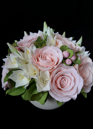 Интерьерная композиция из цветов (фоамиран)