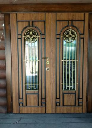 двери металлические с отделкой