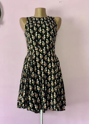 Платье с пеликанами чёрное стильное с птицами  птицы