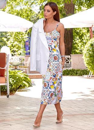 Платье - миди в бельевом стиле с абстрактным принтом