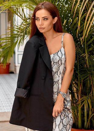 Платье - миди в бельевом стиле с змииным принтом