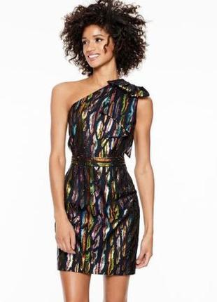 Коктейльное платье на одно плечо с карманами