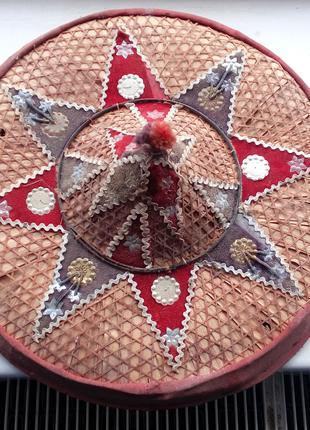 Jaapi Джаапи джапи - это традиционная коническая шляпа Ассама, Ин