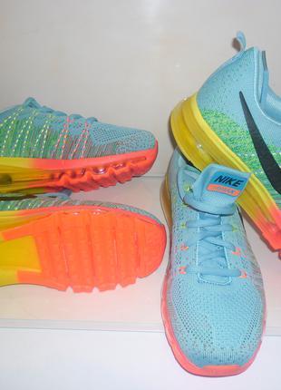 Новые кроссовки Nike Air Max