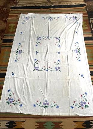 Белая скатерть с ручной вышивкой гладью раритет