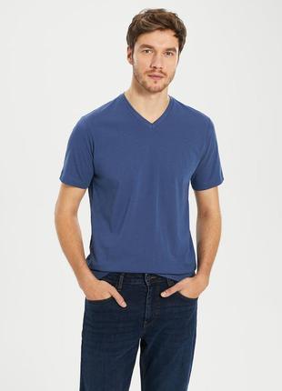 Мужская футболка lc waikiki / лс вайкики цвета индиго с v-обра...