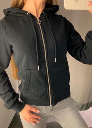 Чёрная кофта на молнии толстовка amisu fb sister есть размеры