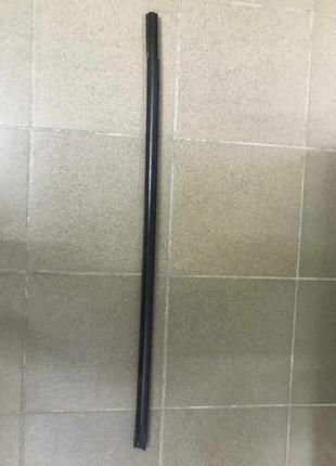 Молдинг дверь-стекло центральный перед лев,прав Nissan Leaf 13-17