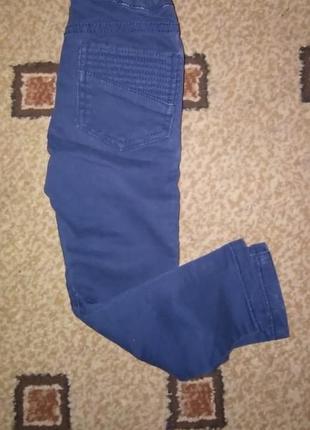 Модные фирменные котоновые джинсы