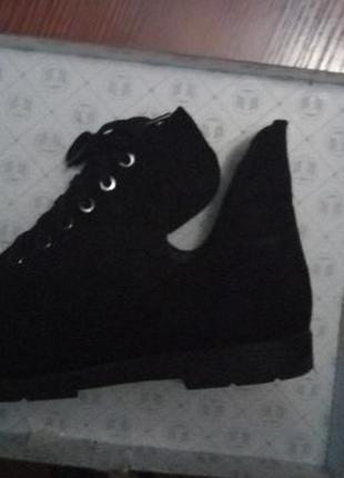 Новые натуральные стильные замшевые ботиночки