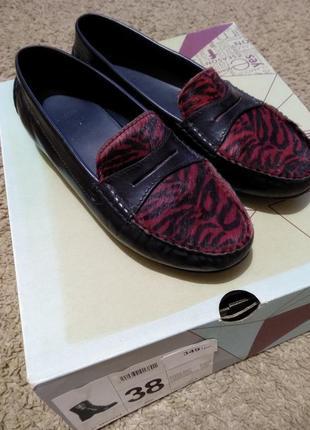 Кожаные туфли , балетки с натуральной шерстью