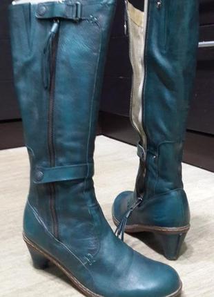 Шикарные стильные кожаные осенние сапоги dr martens.