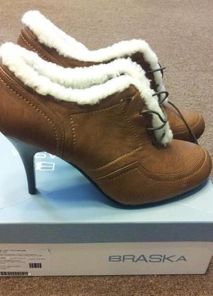 Роскошные кожаные ботинки braska на каблуке и на шнуровке 39