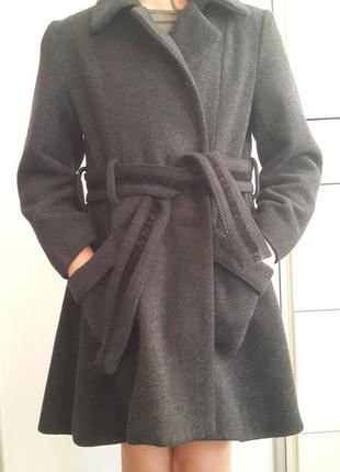 Шикарное детское шерстяное пальто next 7-8 лет