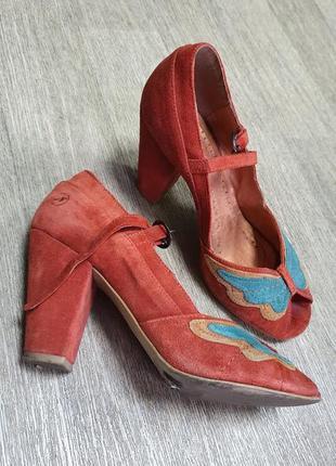 Рыжие замшевые туфли на каблуке bronx 39
