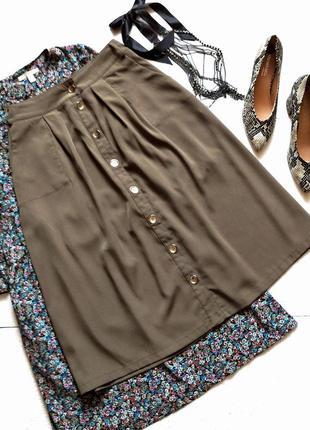 Классная юбка миди на пуговицах