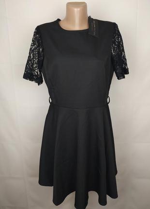 Платье новое шикарное с кружевом m