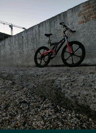 Велосипед MTB 26 на литых алюм. дисках,двухподвесный рама алюмини