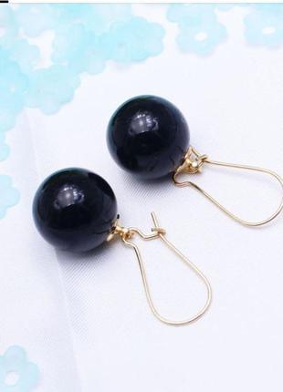 Серьги черные шарики