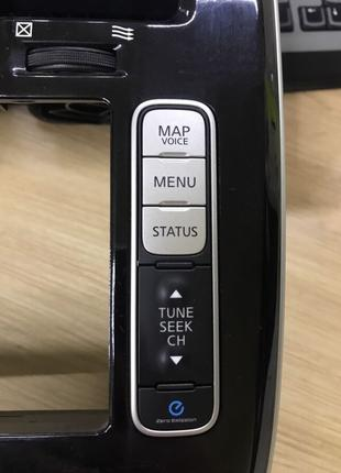Кнопки дисплея правые Nissan Leaf 13-17