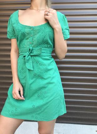 Очень классная яркое платье