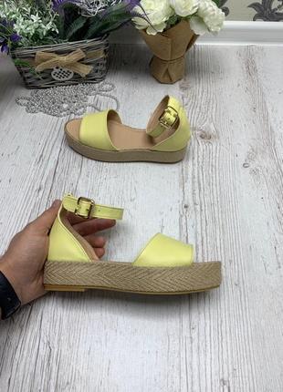 Кожаные босоножки сандалии на плетеной подошве на платформе на...