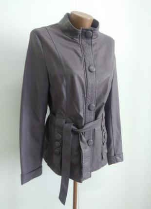 Гарна комфортна куртка розмір хl