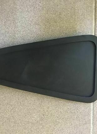 Крышка пола над высоковольтным предохранителем Nissan Leaf 13-17
