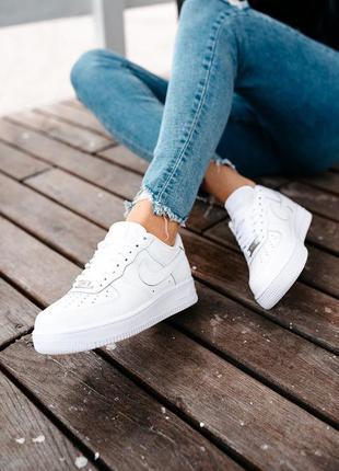 Женские кроссовки найк белые nike air force жіночі кросівки білі