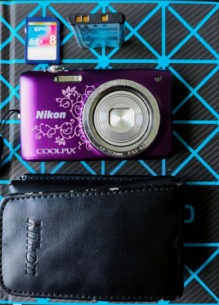 Фотоаппарат Nikon Coolpix S2700 Purple Lineart