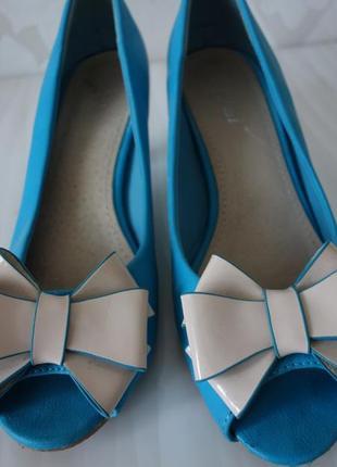 Стильные женские туфли босоножки открытый носок