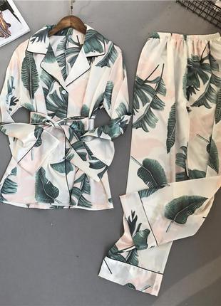 Пижама женская атласная на пуговицах с поясом. комплект шелков...