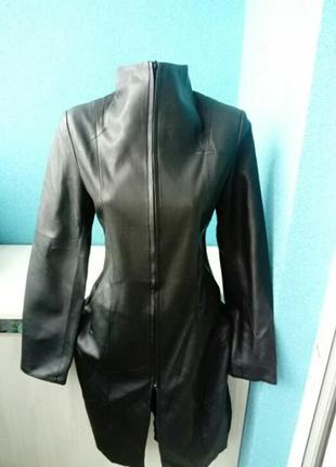 Стильная куртка пальто тренч под кожу