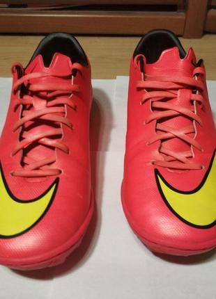 Футбольные сороконожки Nike Mercurial Victory V TF