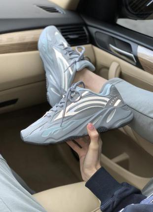 Женские рефлективные кроссовки adidas yeezy boost 700