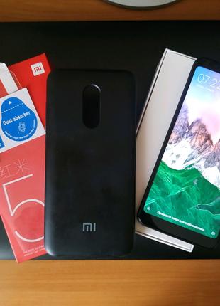 Xiaomi Redmi 5 plus + защитное стекло + soft touch чехол