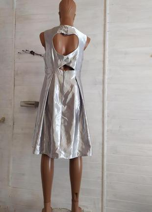 Яркое серебрянное платье