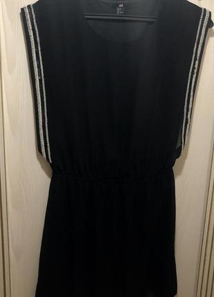 Платье черное вышивка по бокам с бисером от h&m