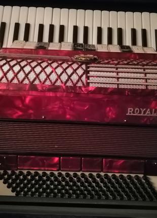 Престижный аккордеон Royal Standard Montana