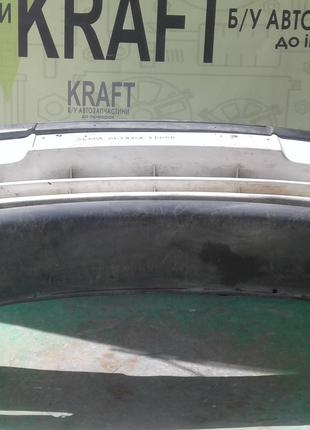 Б/у бампер передний для Skoda Octavia 2000 р.