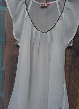 Белая воздушная блузка