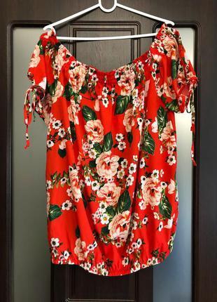 Яркая нарядная блуза в цветы с биркой pepco