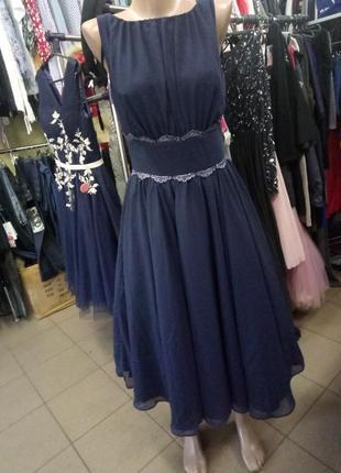 Очень красивое платье в стиле 60-х