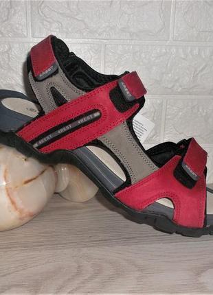 Кожаные сандалии в спортивном стиле