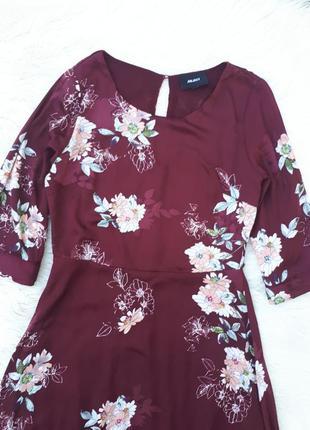 Красивое бордовое платье в цветы раз.xs-s
