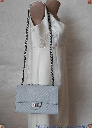 Новая мега стильная сумка в сером цвете на металической широко...